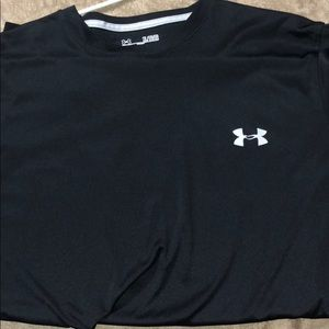 TWO SHIRTS underarmour short sleeves